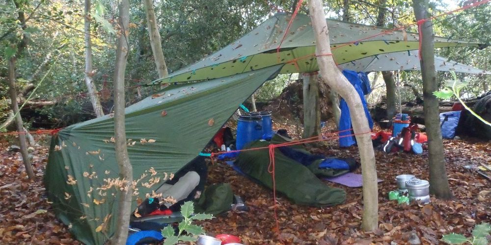 1 Ra Camp Bivi Site Bushcraft Pb050120