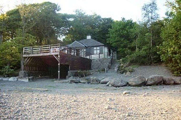Isthmus Cottage